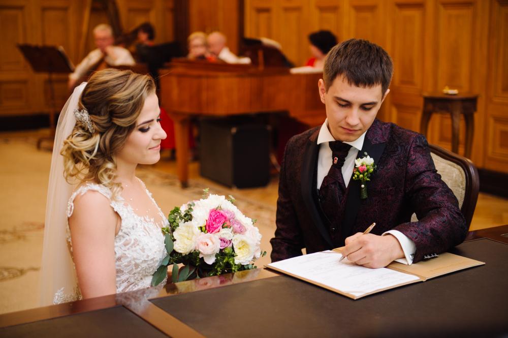 Каким должен быть профессиональный фотограф на свадьбу